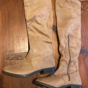 Knee High 👢 boots